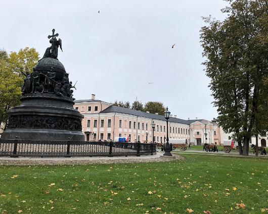 Titanen on Tour im Kreml von Nowgorod Foto Grit Rensch