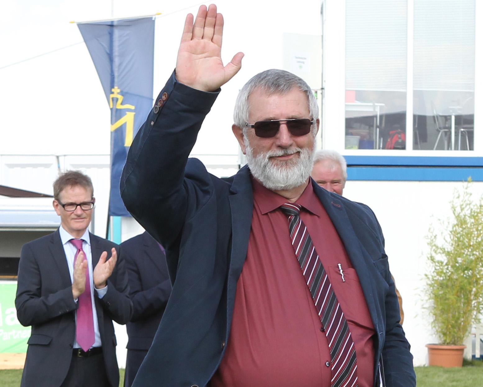 Der Zuchtleiter und Geschäftsführer des Verbandes der Pferdezüchter Mecklenburg-Vorpommern sagt nach 42 Berufsjahren im Dienste der Pferdezucht Tschüß. Foto: Jutta Wego